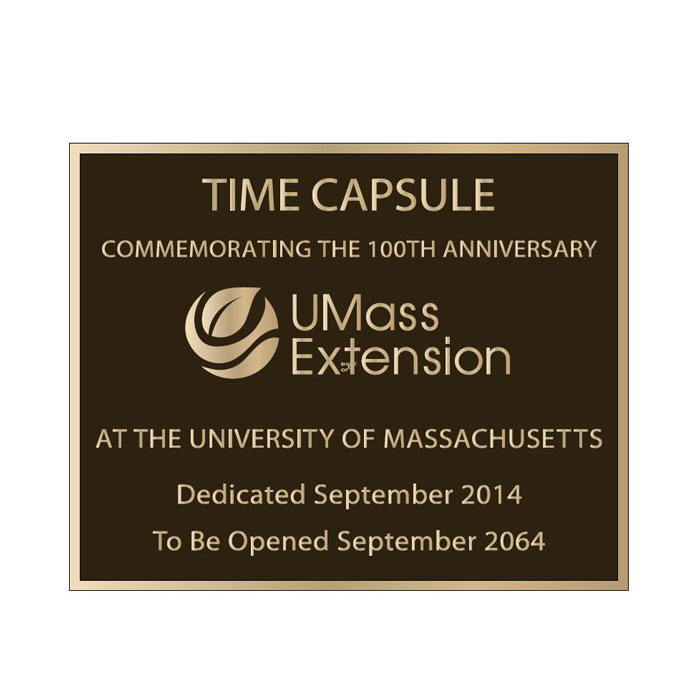 U Mass Plaque 10x8